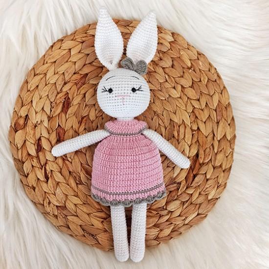 Elbiseli Kız Tavşan
